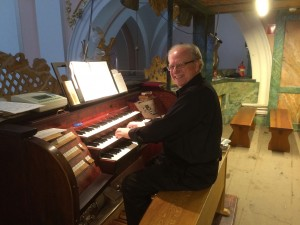 Dr. Fienen at the organ in Miechów